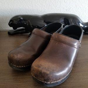Dansko Brown Clogs size 39 / US 8.5-9